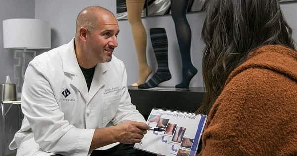 درمان رگهای واریسی میتواند علائم پاهای بیقرار را کاهش دهد